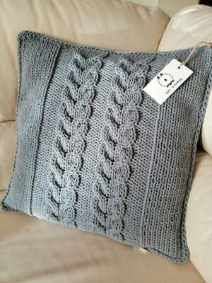 Poduszka ze sznurka warkocze