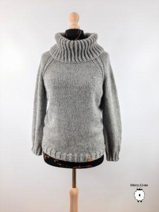sweter reglanowy z golfem