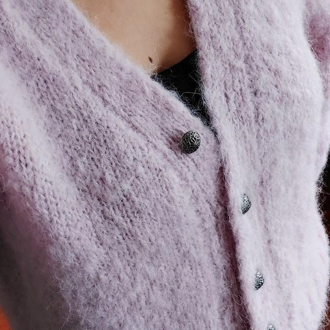Sweter wykonany z włóczki DROPS Melody